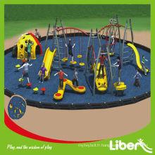 Équipement d'aire de jeux multifonctionnel pour enfants