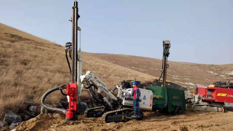 surface drill rig