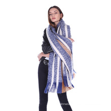 Women′s Winter Knitted Scarves /Shawls