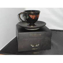 Vela de aroma natural Ted Baker en taza de café