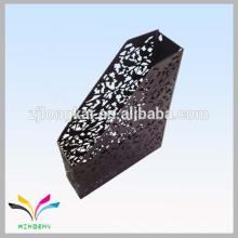 Black bird fleur rouge une ligne suspendue file filet de métaux dans l'usine du zhejiang