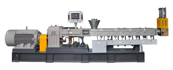 Co-Rotating Parallel Twin Screw Compounding Extruder