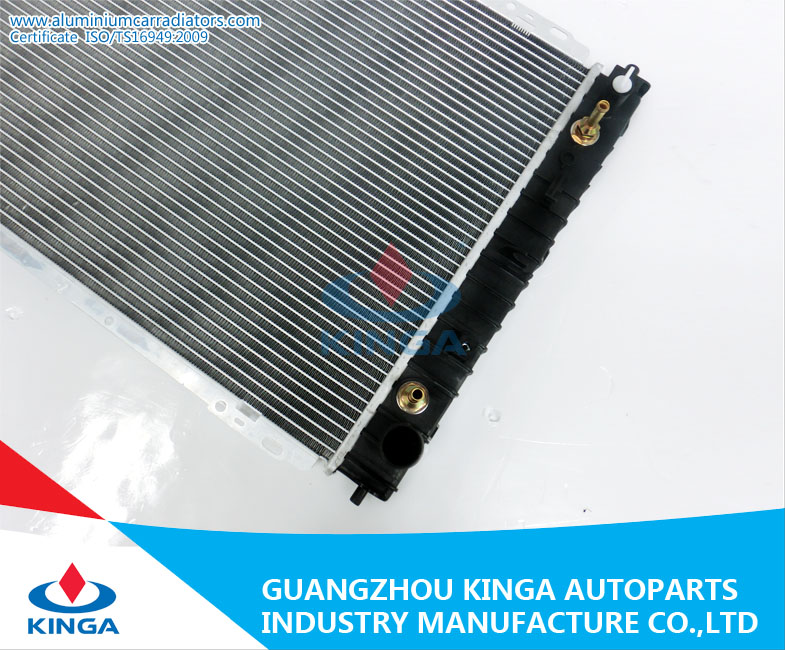 Auto Spare Parts Radiator for Escape / Tribute 01-08 OEM Yf47-15-200