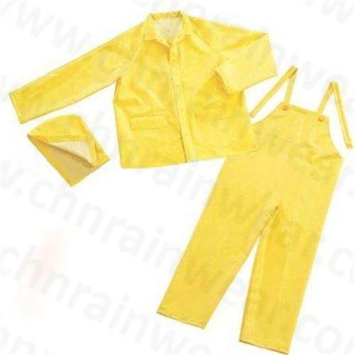 Durable Waterproof PVC / Polyester Rainsuit