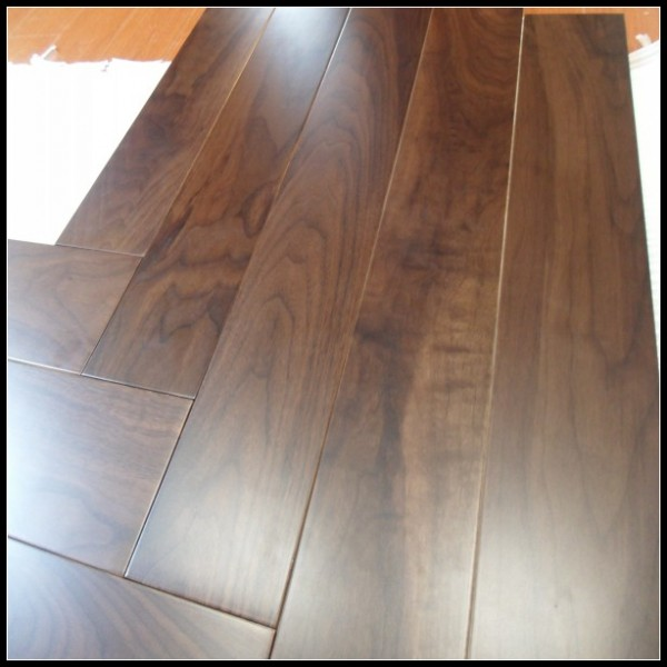 Natural Engineered Walnut Hardwood Flooring