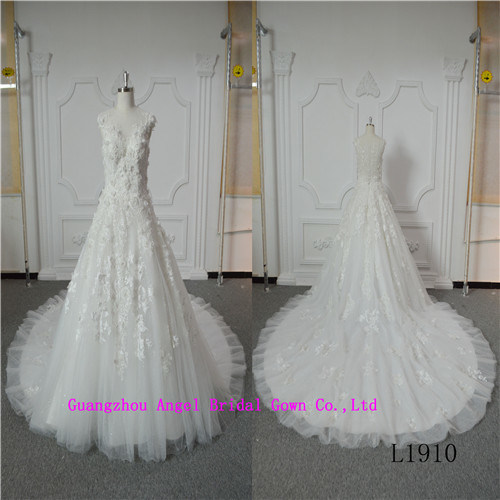 Elegant Beauty Sleeveless Bridal Dress