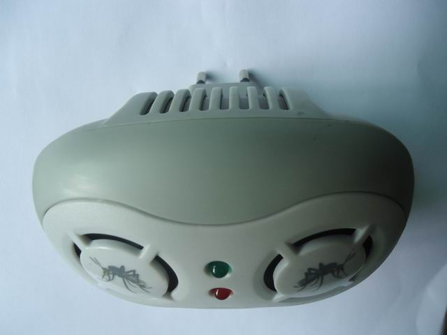 Factory Supply Two Head Ultrasonic Mosquito Repeller Chaser