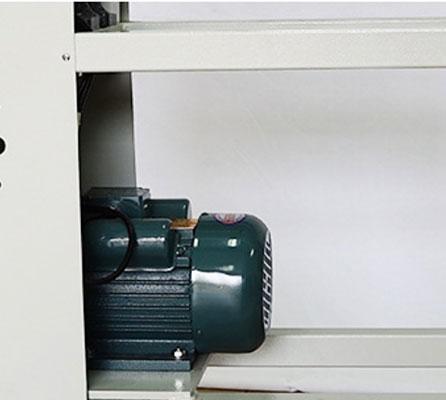 Manual paper core cutter