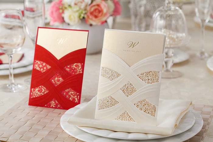 2015 Luxury Paper Wedding Invitation Cards with Laser Cut Pearl Pattern