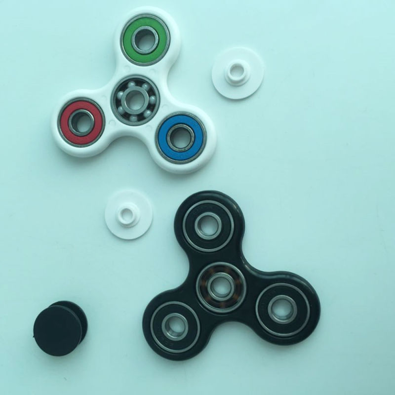 2017 Wholesale Plastic Finger Toys Fidget Spinner Fingertip Gyro with Different Colors
