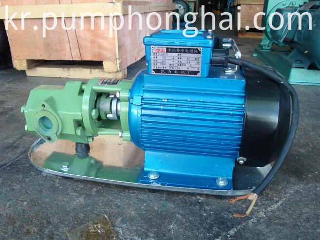 Gear fuel lube oil transfer pump