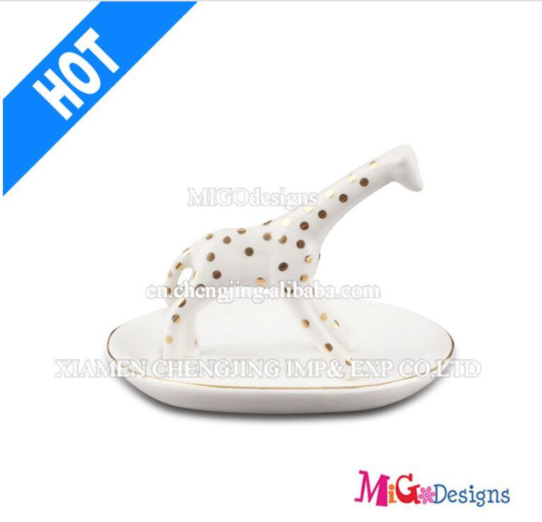 Christmas Decoration New Arrival Ceramic Giraffe Ring Holder for Gifts