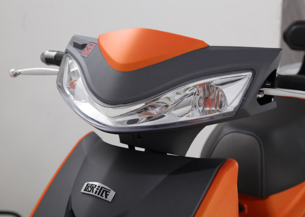 India Arai Certificate Hot Sold Electric Scooter / Electric Bike Chaowei Battery Cst Tire Long Range