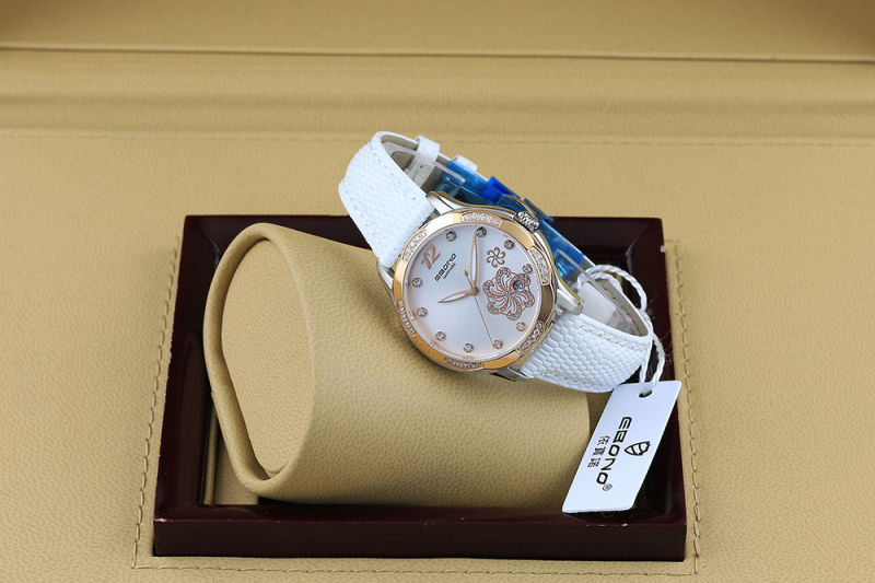 Flower Printing with Diamond Fashion Quartz Ladies Wrist Watch
