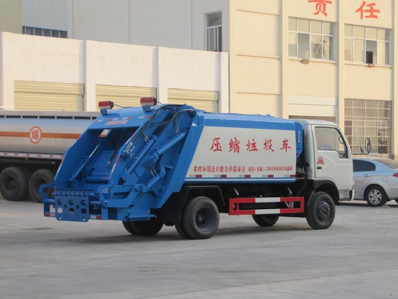 6 Wheeler Dongfeng 5cbm Compressed Garbage Truck, Mini Garbage Compactor Truck