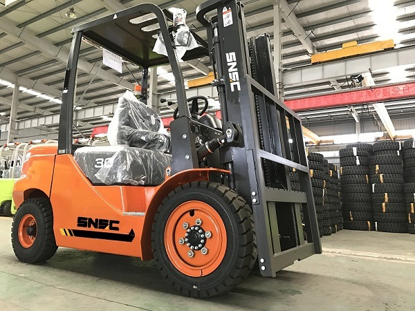 Chariot Elevateur Chinois 3 Ton Diesel Forklifter