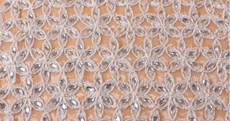 High Quality Fashion Beads Crystal Embroidery Style for Dress Garment by Handwork