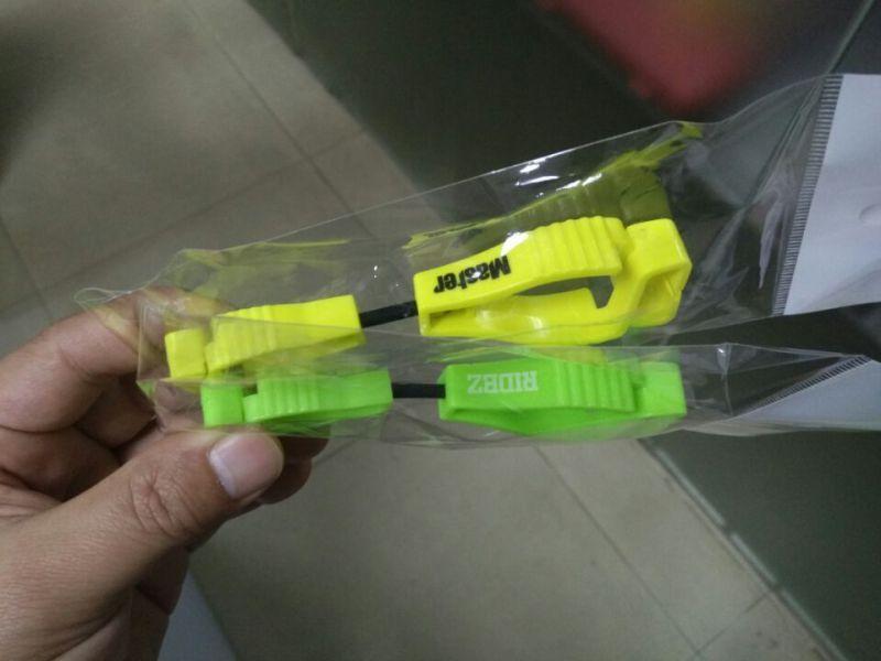 High Quality Pretty Plastic Gloves Safety Clip