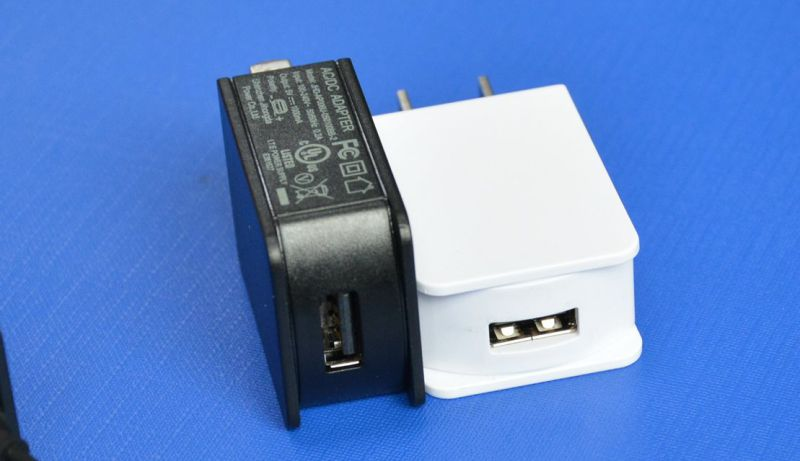 Universal Portable Us UK EU Plug 5V1a Micro Type-C USB Wall Charger
