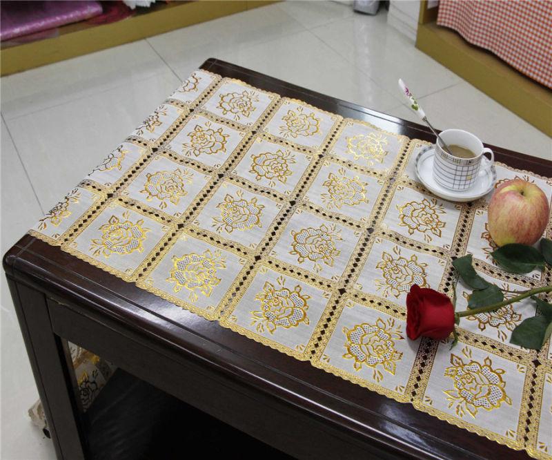 50cm Vinyl Gold/Silver Long Lace Table Placemat