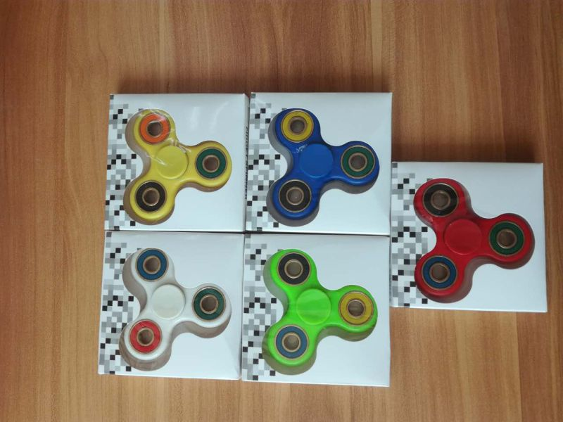 608 Finger Fidget Spinner Toy Tri-Spinner Hand Spinner for Relieve Stress
