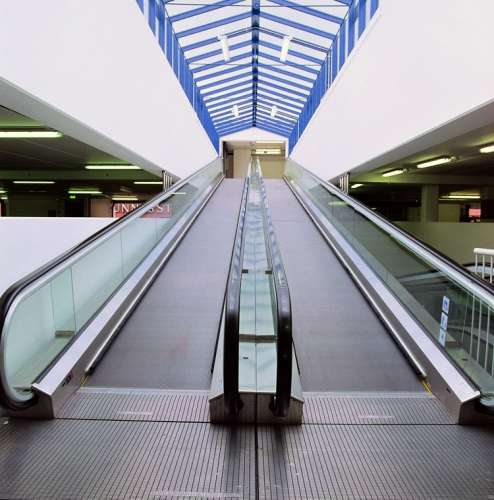 Moving Walk Sidewalk for Supermarket Shopping Mall