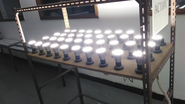 Die Cast Philips Osram Chip Aluminum 5W LED Light Bulb E27 E26 B22