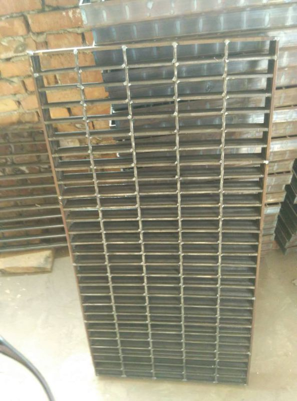 Grade Floor of Steel Gratings