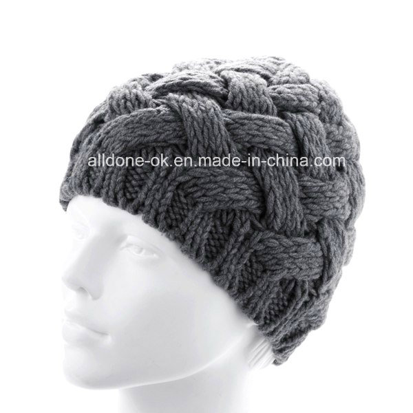 Custom New Design Hand Knitted Hat with POM POM