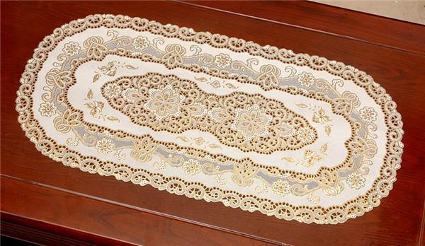 40*84cm PVC Gold & Silver Lace Plastic Tablemat
