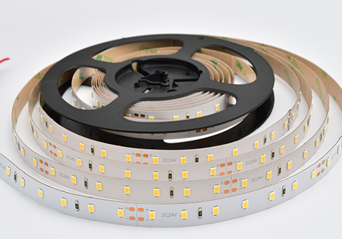 Indoor Use Super Bright High Quality SMD2835 Flexible LED Strip, Outdoor Use LED Strip, Waterproof LED Strip, Nonwaterproof LED Strip, Silicone LED Light Strip