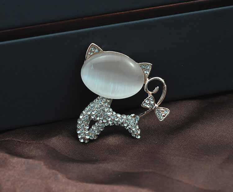Fashion Lovely Opal Gold Plated Cat Brooch