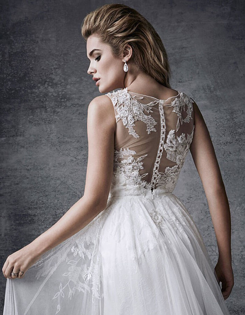 Embellished with Exquisite Beaded Lace Appliques Fairytale Wedding Dress