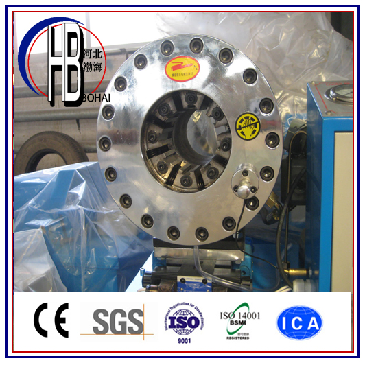 Engineer Using Lowest Price Hydraulic Hose Crimping Machine