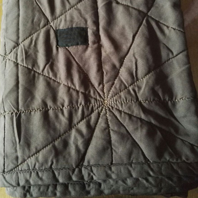 Disposable Fleece Quilt