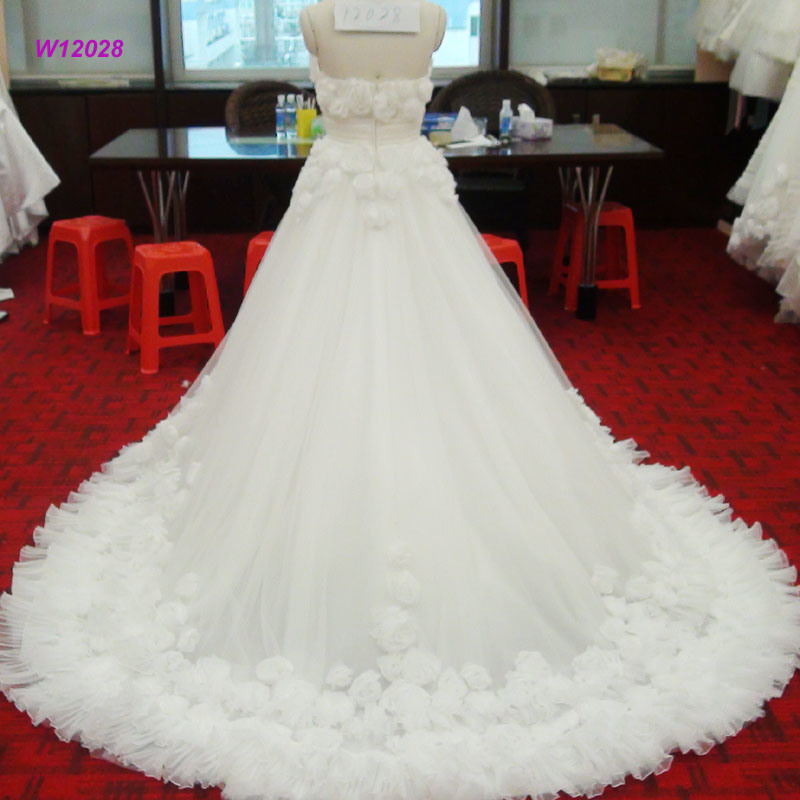 Fashionable Luxury Wedding Dress with Applique 3D Flowers Bridal Gown