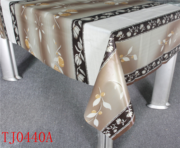 New Design LFGB PVC Printed Pattern Tablecloth with Spunlace Backing