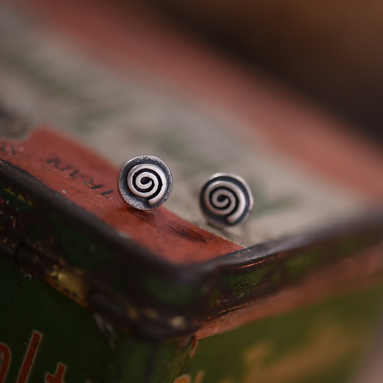 925 Sterling Silver 6.5mm Round Tiny Stud Earrings Retro Silver Color