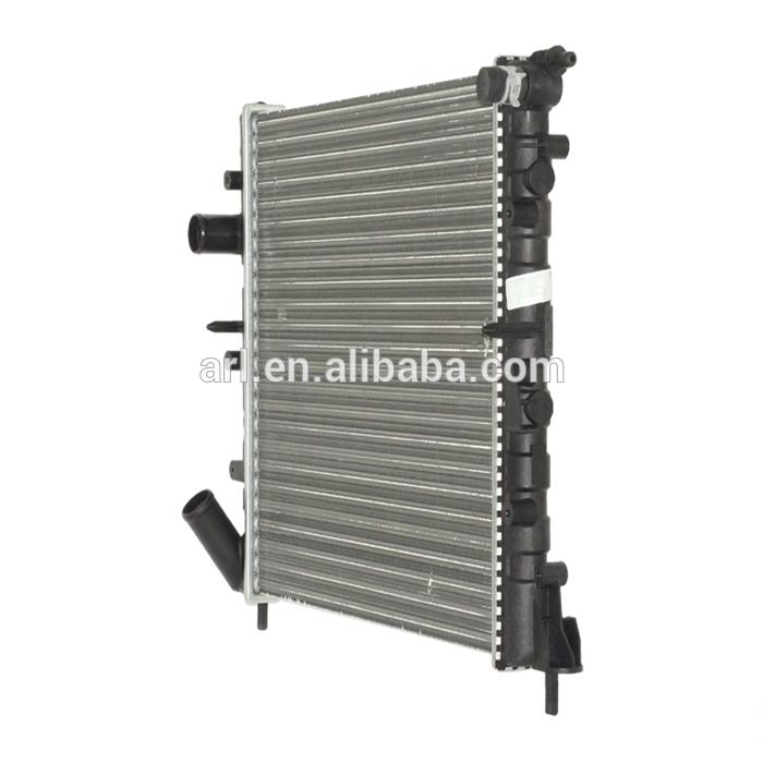 auto parts radiator for renault