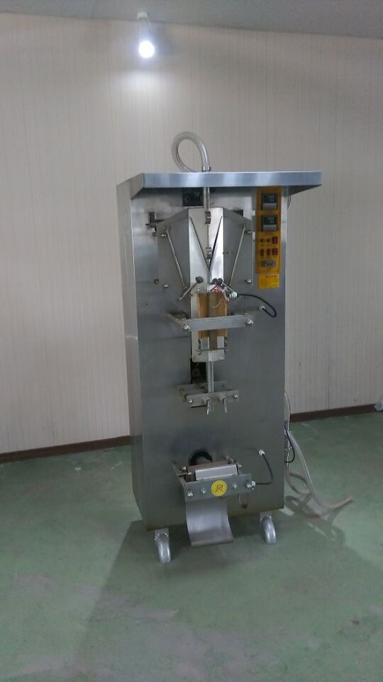 Easy to Operate Automatic Milk Pouch Filling Machine