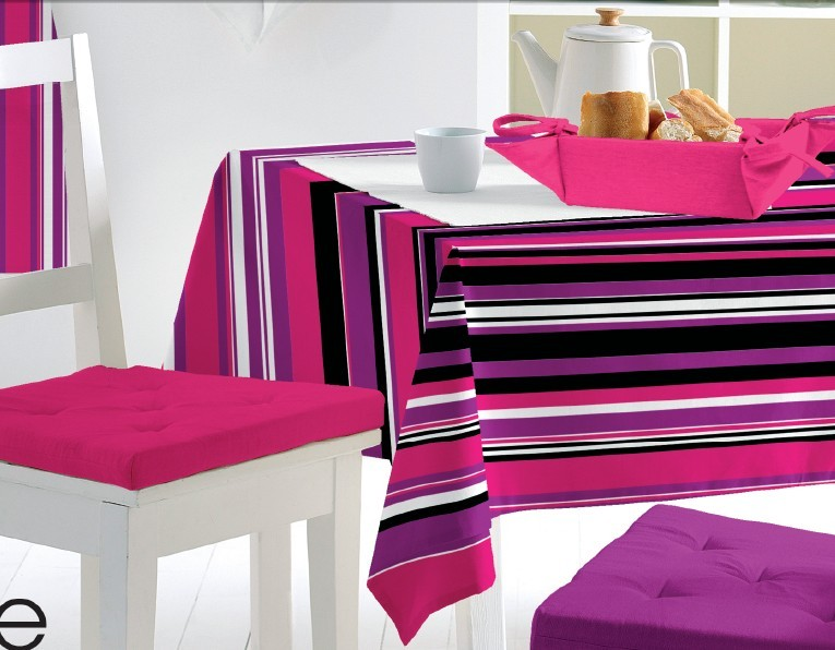 PVC Material Cheap Tablecloth Oilproof, Waterproof Feature