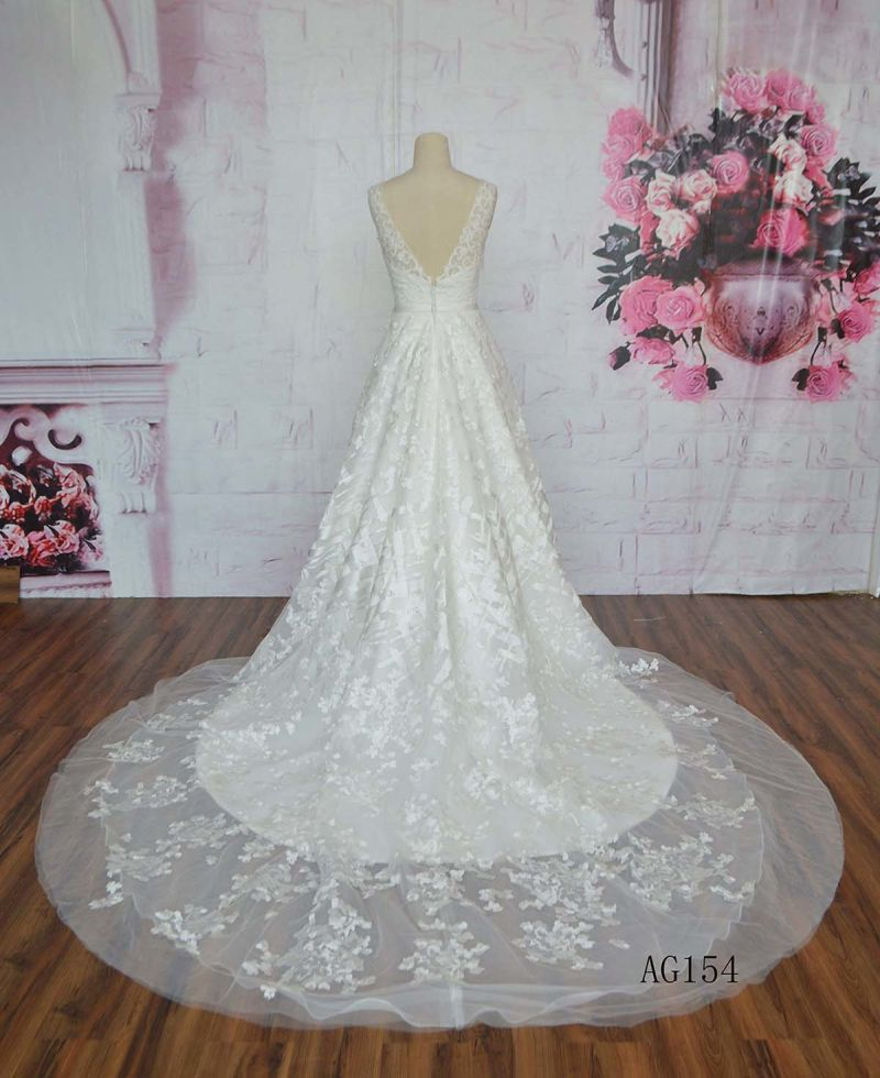 V Neck 2016 Hot Sale Wedding Dress Lace Applique Long Train Wedding Dress