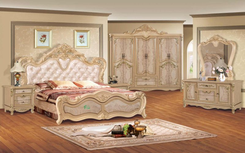 Antique Bedroom Furniture with Classical Bed and Wardrobe (806A)
