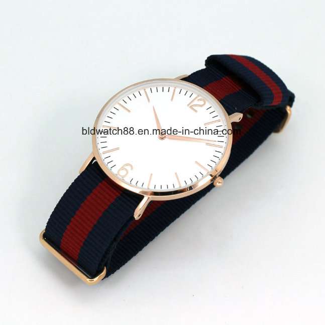 Classic Men's Wrist Watch with Leather Band