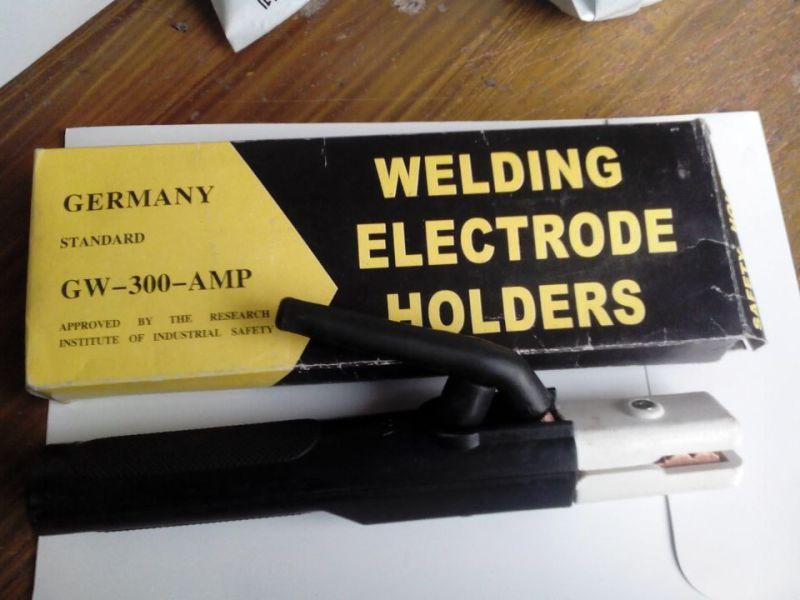 China Manufacturer German Type Welding Electrode Holder (welding accessories, welidng holder) , Professional German 500A 600A Electrode Holder Price High