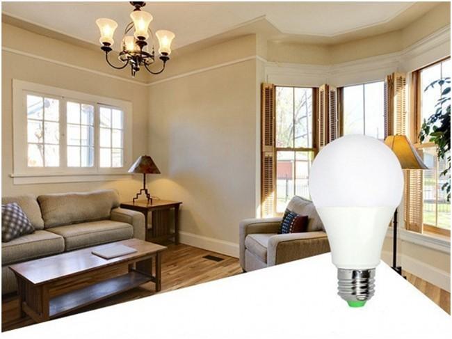 Ce RoHS 12 Wwatt Bulb LED Light E27 E26 B22 Socket Aluminum 12V