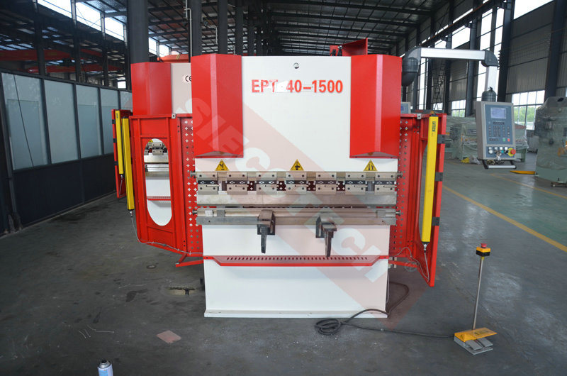 SIECC 125t Hydraulic Press Brake Machine