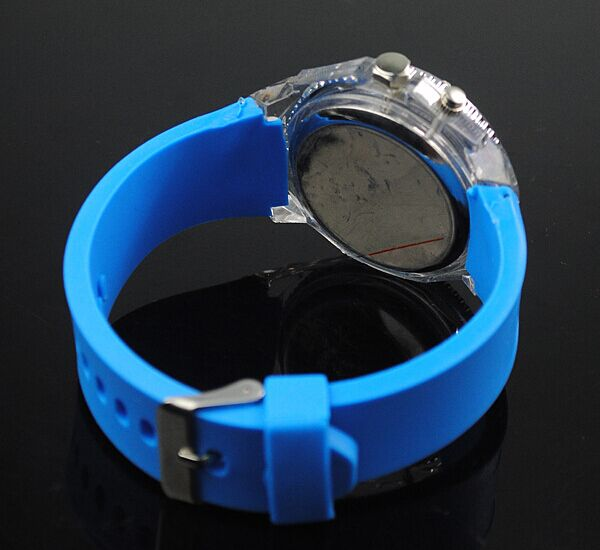 2015 New Men Sport Watch with Silicon Band OEM Logo