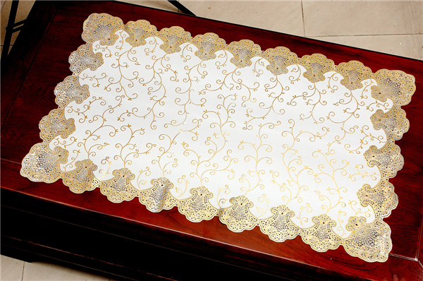 Gold PVC Lace Tablemat for Home/Party/Wedding Use