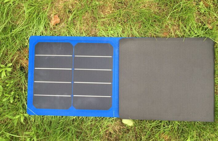 2017 Future Solar Mobile Charger